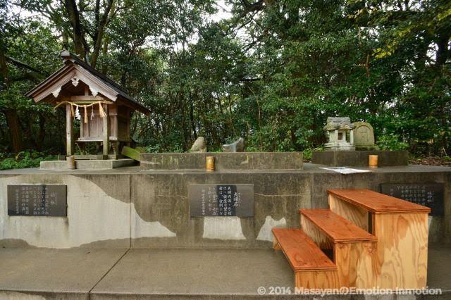 長浜神社・要石と夫婦石と岐神社