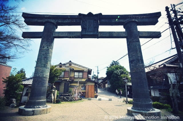 金峯山寺銅鳥居