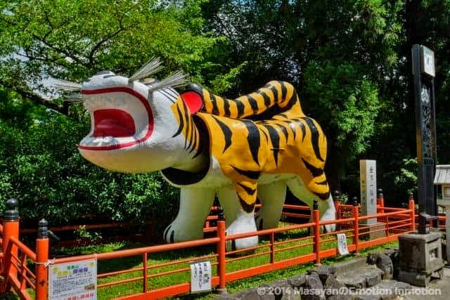 信貴山・朝護孫子寺の張子の虎