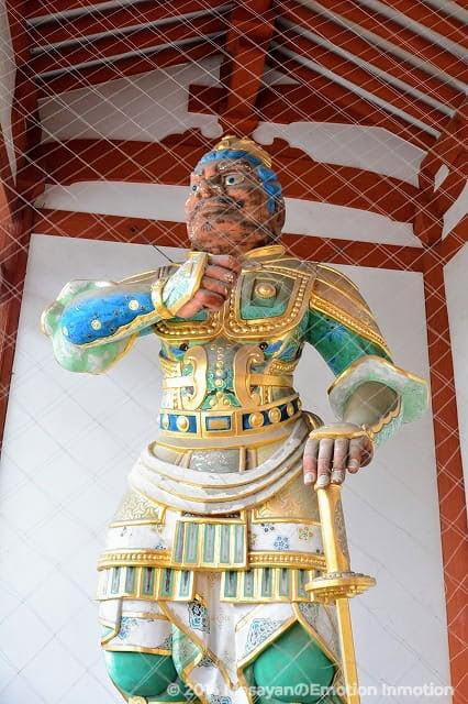 薬師寺の仁王様