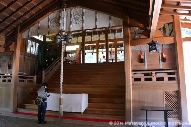 天河神社拝殿と五十鈴