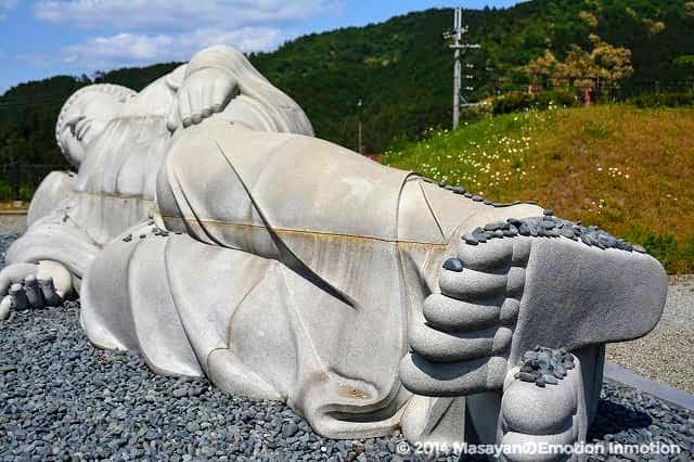 天竺渡来大涅槃石像