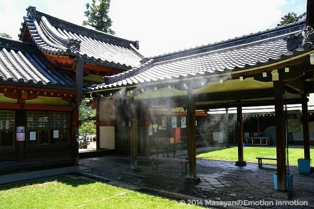 氷室神社のミスト