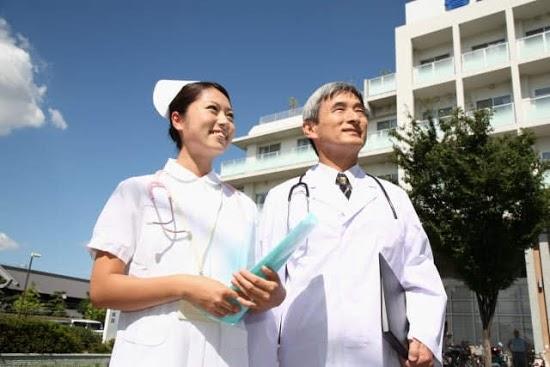 看護師と医者
