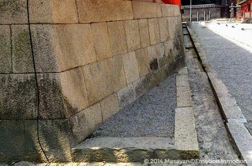 石清水八幡宮/社殿の東北・鬼門対策