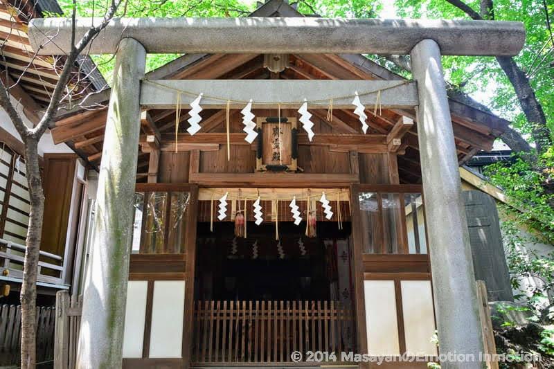 馬橋稲荷神社の斎霊殿