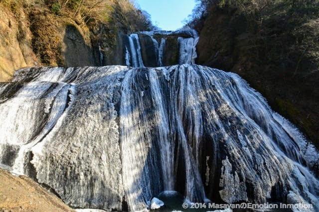 凍結する袋田の滝