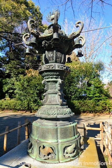 鷲宮神社/銅燈籠